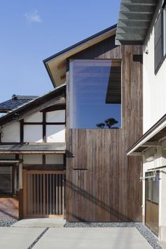 House in Echizen / Tetsuya Mizukami Architects Minimal Architecture, Japanese Architecture, Contemporary Architecture, Architecture Design, House Extensions, Japanese House, Japanese Design, Modern Minimalist, Decoration
