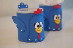 Dicas de Como Fazer Latas Decoradas com EVA Kids Crafts, Foam Crafts, Diy And Crafts, Arts And Crafts, Paper Crafts, Aluminum Cans, Ideas Para Fiestas, How To Make Paper, Rubber Duck