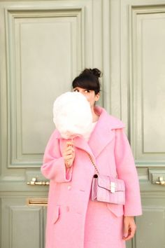 Cotton candy pink coat... I think I just fell in fashion love!