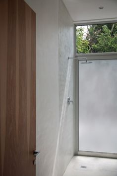 Silvio Rech and Lesley Carstens, INK Design Lab, minimalist shower in Capetown, South Africa, Remodeslista