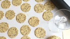 Osteiskake - Smedstua Baking Recipes, Dog Food Recipes, Salt, Food And Drink, Cookies, Desserts, Caramel, Cooking Recipes, Crack Crackers