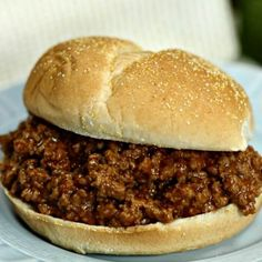 You have to try this Easy Crock pot Sloppy Joes Recipe! With only 4 ingredients, this Sloppy Joe Slow Cooker Recipe is still packed with flavor. Try some easy crock pot sloppy joes today! Sloppy Joe Recipe No Ketchup, Sloppy Joe Recipe Crock Pot, Homemade Sloppy Joe Recipe, Homemade Sloppy Joes, Sloppy Joes Recipe, Rock Crock Recipes, Diner Recipes, Healthy Crockpot Recipes, Slow Cooker Recipes