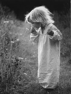 Swedish photo agency Nordic Photos is releasing a new archive called Nordic Vintage. Black N White, Black White Photos, Black And White Photography, Vintage Photographs, Vintage Photos, Looks Black, Portraits, Beautiful Children, Vintage Children