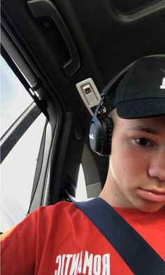 Marcus Black Wallpaper Iphone, Normal Person, M Photos, Great Friends, Handsome Boys, Bff, Fangirl, Crushes, Boyfriend