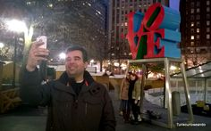 TURISCURIOSA EN USA: DÍA 10. PRINCETON Y FILADELFIA, LA CIUDAD QUE ME CONQUISTÓ. La escultura Love, qué mejor locación que la ciudad del amor fraternal.
