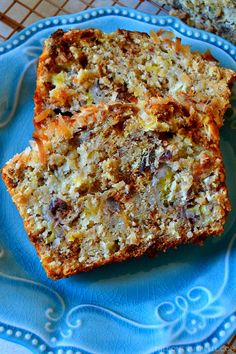 This Hummingbird Banana Bread is the BEST! Super moist and tender banana bread flavored like a hummingbird cake with pineapple, pecans and toasted coconut. So unique, delicious, easy and amazing! Hummingbird Bread Recipe, Hummingbird Cake, Bread Cake, Dessert Bread, Banana Bread Recipes, Pineapple Banana Bread Recipe, Pineapple Dessert Recipes, Brunch, Fruit Bread