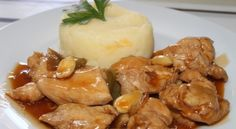 Esta deliciosa receta es muy fácil de preparar, ideal para cualquier ocasión. INGREDIENTES (Porción: 4 personas) – 2 muslos de pollo deshuesados