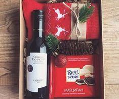 Christmas Gift Baskets, Christmas Gifts For Friends, Christmas Mood, Holiday Gifts, Christmas Crafts, Christmas Decorations, Holiday Decor, Homemade Gifts, Diy Gifts