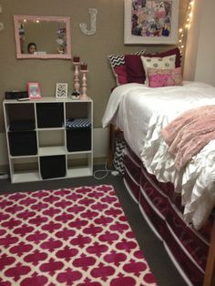 I really like the storage/night stand thing and the cute rug!