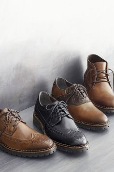 Grounded in Tradition: Burnished leather grains added stature with a  beefier scalloped welt and lugged sole.