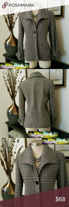 ANNE KLEIN...NEW LISTING...HOUNDSTOOTH BLAZER ...ADDING INFO SOON...EXCELLENT CONDITION  ...NORMAL WEAR...NO FLAWS. .. ...A MUST HAVEEEE..... ...HOUNDSTOOTH ..DESIGN THROUGHOUT  ...ONE BUTTON FRONT... Anne Klein Jackets & Coats Blazers