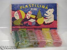 Prima plastilină, în clasa a I-a. Mirosea minunat.