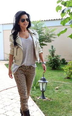 Inna and animal print pants :x Fall Outfits, Casual Outfits, Cute Outfits, I Love Fashion, Passion For Fashion, Fashion Ideas, Modern Fashion, Animal Print Pants, Animal Prints