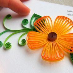 This #flower was the main topic of my recent #quilling classes. _____________ А этот тот #цветок, который учились делать мои ученики подю чутким мои взором :) задача стояла - показать и научить создавать изделия в технике петельчатого #квиллинг а