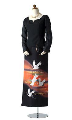 着物ドレス、リメイクドレス、レンタルドレスのローブドキモノ|留袖ドレス Kimono Fabric, Kimono Dress, Japanese Fabric, Japanese Kimono, Rent Dresses, Dresses For Work, Asian Fashion, Women's Fashion, Traditional Clothes