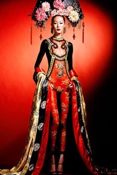 ❈ Geisha by Sky ❈ Foto Fashion, Estilo Fashion, Asian Fashion, Fashion Art, High Fashion, Fashion Design, Oriental Fashion, Red Fashion, Halloween Karneval