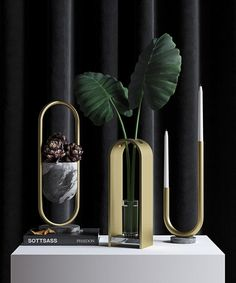 Arche is a three-piece tabletop series consisting of a vase, a candle holder and a bowl. Each piece is designed in two different variety of finishes. The objec
