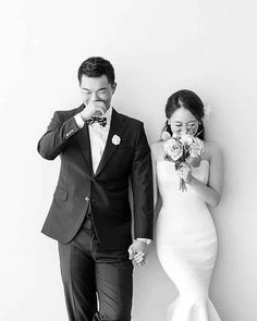 37 Korean Wedding Photos That Are Elegant And So Natural That Will Make Marriage Plans For The Next Summer - Hochzeit Pre Wedding Photoshoot, Wedding Poses, Wedding Shoot, Wedding Couples, Dream Wedding, Wedding Day, Wedding Dresses, Summer Wedding, Married Couples