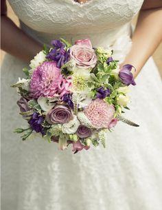 Gorgeous rose and dahlia bouquet | Fabulous Flowers, Oxford