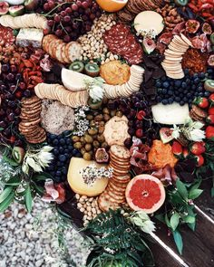 Wedding grazing tables are the latest foodie trend for your big day. Don't miss these fantastic wedding food ideas. Food Platters, Cheese Platters, Food Dishes, Antipasto, Trader Joe's, Tara Milk Tea, Grazing Tables, Charcuterie Board, Charcuterie Wedding