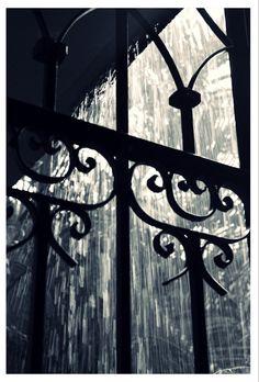 Gate in the rain.RAIN ~ Rainy Days ~ Raindrops ~ Rain ~ Stormy Days ~ Happy Rain ~ Love the Rain ~ Rainy Skies ~ Umbrellas! Cozy Rainy Day, Rainy Night, Rainy Mood, Stormy Night, Rainy Weather, Walking In The Rain, Singing In The Rain, Fotografia Pb, I Love Rain