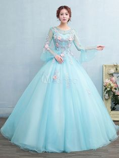 Dress aqua Abendkleid für Prinzessin mit Schnürung bodenlang und Rundkragen in Wasserbla. Ball Gown Dresses, Pageant Dresses, Evening Dresses, 15 Dresses, Long Sleeve Quinceanera Dresses, Gold Prom Dresses, Quince Dresses, Fantasy Dress, Beautiful Gowns