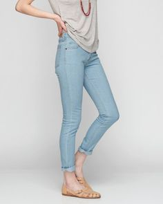 high rise jeans Beautiful Outfits, Beautiful Clothes, High Rise Jeans, Personal Style, Spring Summer, My Style, Casual, How To Wear, Pants
