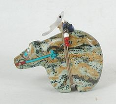 Native American Zuni Bear fetish  of Serpentine