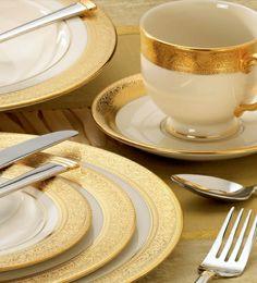 Colecția Westchester: porțelan fin, ornamente din aur nobil de 24 K