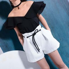 Falbala perspective sexy gauze blouse 2017 spring and summer fashion hot sale black and white Korean Fashion Dress, 50 Fashion, Fashion Outfits, Short Outfits, Cute Outfits, Costume Blanc, Short Blanc, Bcbg, Bermudas Shorts