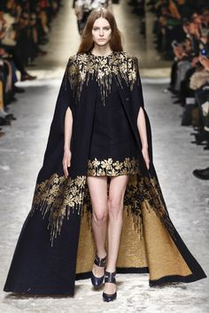 【ドレス Dresses 黒 black ゴールド gold】Blumarine Fall 2014 RTW - Review - Fashion Week - Runway, Fashion Shows and…