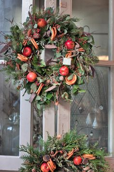 Christmas decoration - Zita Elze's flower shop in Kew, England - Christmas 2013 - Wreaths