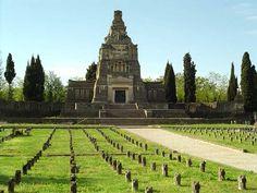 Crespi d'Adda - Cemetery | Photo by the Crespi Culture Association (www.villaggiocrespi.it)