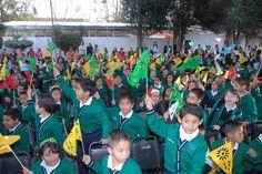 En Veracruz se fortalecerán las escuelas de Tiempo Completo, Multigrado y Segura, anunció el Gobernador al acudir a la ceremonia de reinicio de clases.