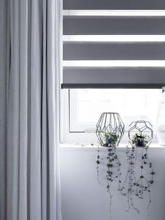 How To Determine The Right Window Coverings for Your House Persiana Double Vision, Day Night Blinds, Zebra Blinds, Minimalist Home Decor, Curtain Designs, Curtains With Blinds, Living Furniture, Home Office Decor, Window Coverings