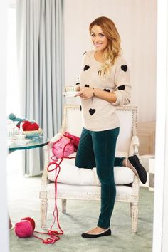 Blush + black heart sweater + dark skinny jeans + flats | @Lauren Davison Dailey-Conrad.com | #smpliving