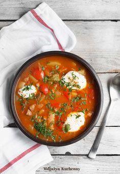 Zupa cygańska – pomidorowa zupa z ziemniakami, papryką i boczkiem wędzonym