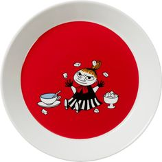 Mumi by Arabia tallerken 19 cm Lille My rød Moomin Mugs, Iron Sheet, Childrens Aprons, Tove Jansson, Apron Designs, How To Make Jam, Acrylic Tumblers, My Plate, Bottle Stoppers