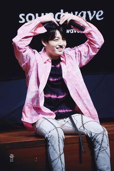 180602 • BTS 3rd Full Album LOVE YOURSELF 轉 'Tear' Fansign (Soundwave) #방탄소년단 #Jungkook