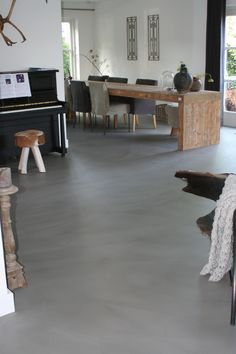 ✔top 60 best concrete floor ideas – smooth flooring interior designs page 22 Floor Design, Home, House Flooring, Industrial Livingroom, New Homes, House Interior, Concrete Stained Floors, Concrete Floors Living Room, Concrete Interiors