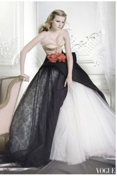 Dior Haute couture  Lara Stone – vogue – dec 2007. Photo Mario Testino