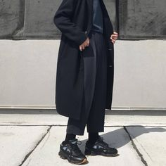 Fashion, models, menswear, streetstyle and home interior - Modern Moreau Cool Outfits, Casual Outfits, Fashion Outfits, Vintage Style Outfits, Vintage Fashion, Trendy Fashion, Fashion Looks, Mode Man, Minimal Outfit