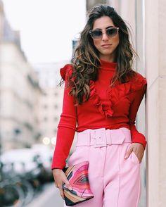 Pink and red addicted  A combinação do momento  De carão só pra mudar um pouquinho kkk já já volto pro sorrisão  #thebosonthego #luizagoestoparis #fhitsparis @fhits