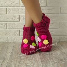 knit slipper socks. Slippers with flowers for от mymomsshop1