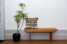 Partnership Garrido White X Histórias Por Metro Quadrado Knit cushion inspired in Aveiro