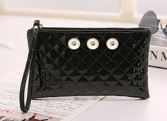 Black Zippered Purse Holds 3 Clips Size: 7 1/2 x 4 1/2 inches
