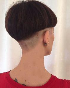 Loveshavednapes Girl Short Hair, Short Hair Cuts, Short Hair Styles, Buzz Cut Women, Girls With Shaved Heads, Bowl Haircuts, Buzzed Hair, Shaved Nape, Girls Short Haircuts