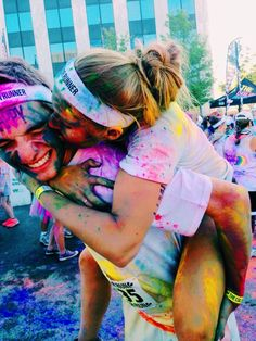 imagine hayley and trevor at some paint run and being all cute kshdksh