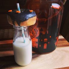 Halloween donuts! www.lifesastew.com Halloween Donuts, Have A Great Sunday, Love My Body, Glass Of Milk, Stew, Panna Cotta, Ethnic Recipes, Instagram, Food