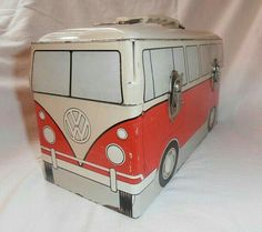 VW Bus Metal Lunch Box from 1960 by capraistic on Etsy expensive, but maybe worth it? Lunch Box Thermos, Tin Lunch Boxes, Vintage Lunch Boxes, Metal Lunch Box, Bento Box Lunch, Vintage Tins, Tin Boxes, Lunch Bags, Volkswagen